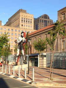Opposite Chancellor House: Shadow Boxer by Marco Cianfanelli (based on photo of Mandela by Bob Gosani)
