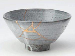 An example of kintuskoroi also known as kintsugi
