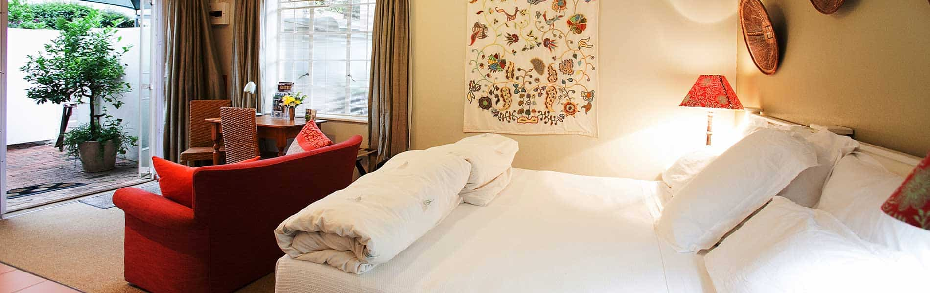 Craighall Bed and Breakfast Cottage Bedroom & Lounge
