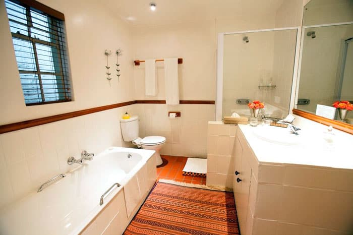 Craighall Self Catering Garden Cottage Bathroom